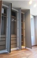 :約5.2帖/洋室。各部屋には窓がありますので充分な採光が望めます。大型クローゼットも完備