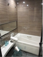 :1418サイズの浴室。換気乾燥機付。ホテルスタイルの浴室でゆっくりと寛げます